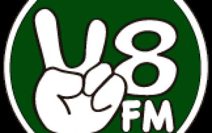 Nova Rádio Web V8FM com programação musical online